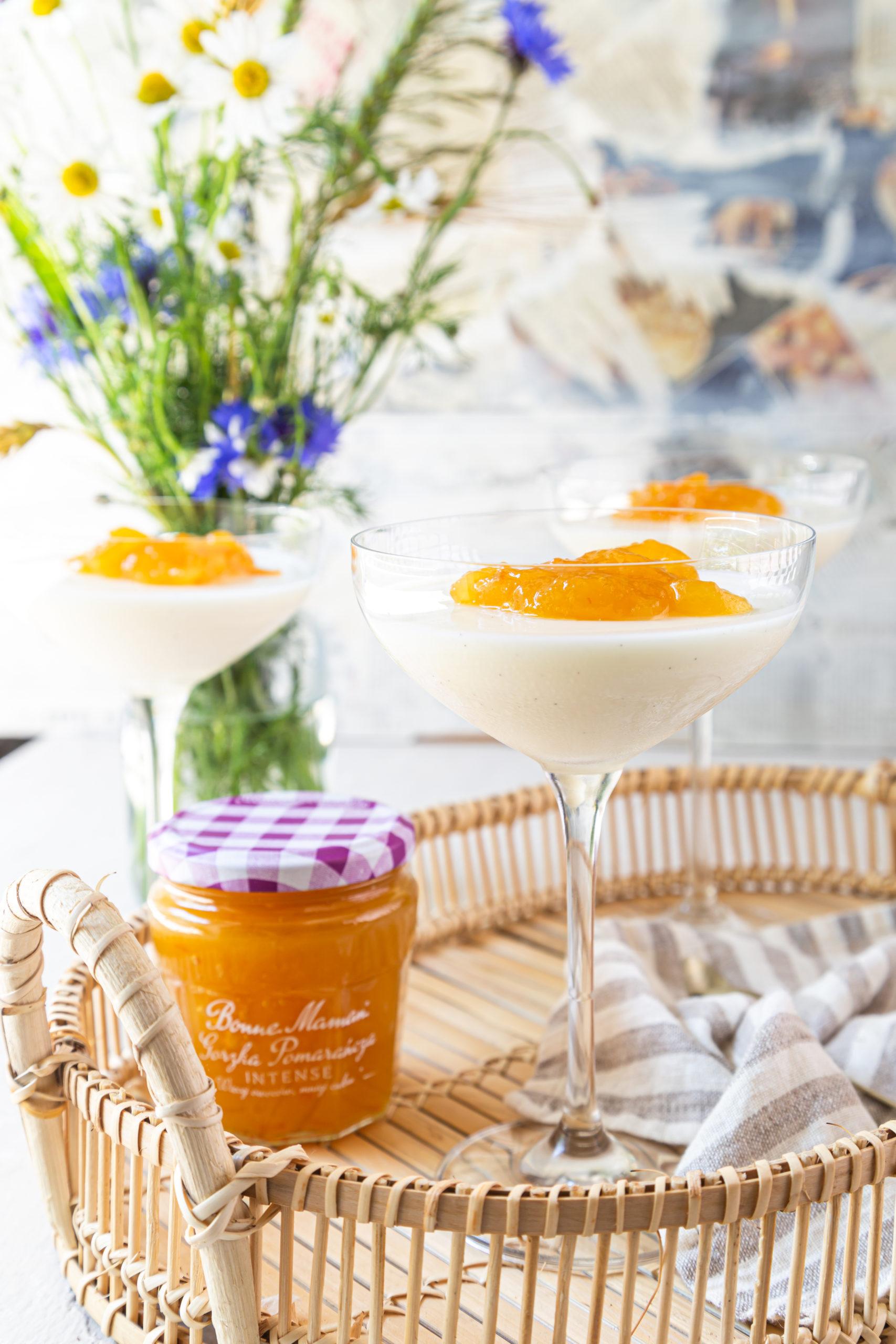 Panna cotta z konfiturą z gorzkich pomarańczy